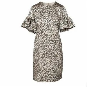 Banana Rep Cheetah Print Bell Short Sleeve Dress
